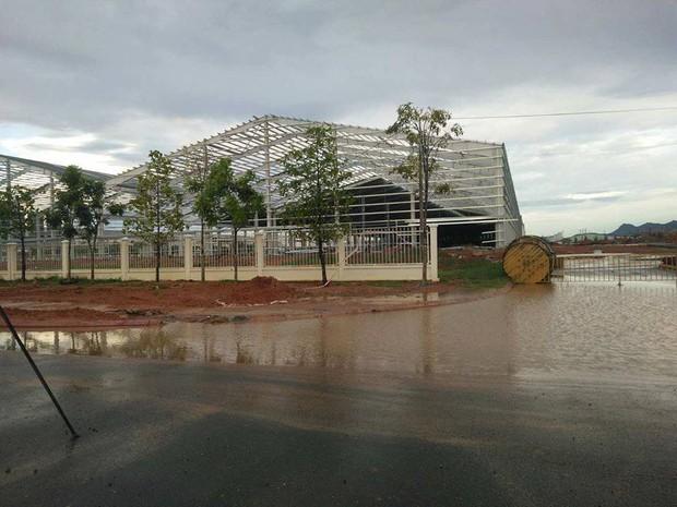 Quảng Nam: Sập nhà xưởng công ty ô tô Trường Hải, 4 người thương vong - Ảnh 1.