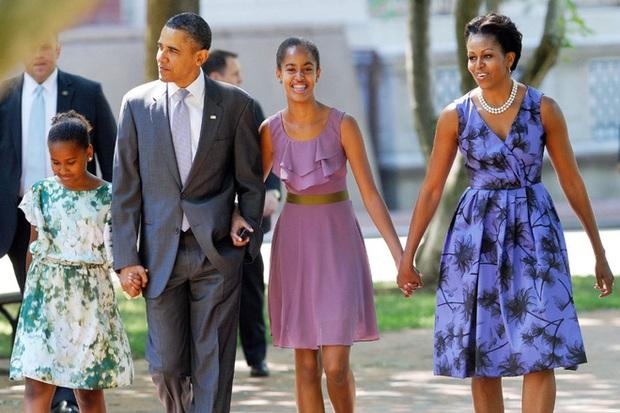 Nói không với tivi và đi ngủ lúc 8h tối - Hai nguyên tắc dạy con của vợ chồng Obama - Ảnh 2.