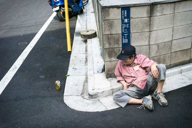 Những gã say xỉn từ ga tàu cho đến đường phố: Nét văn hóa tiệc tùng của giới công sở Nhật Bản - Ảnh 17.