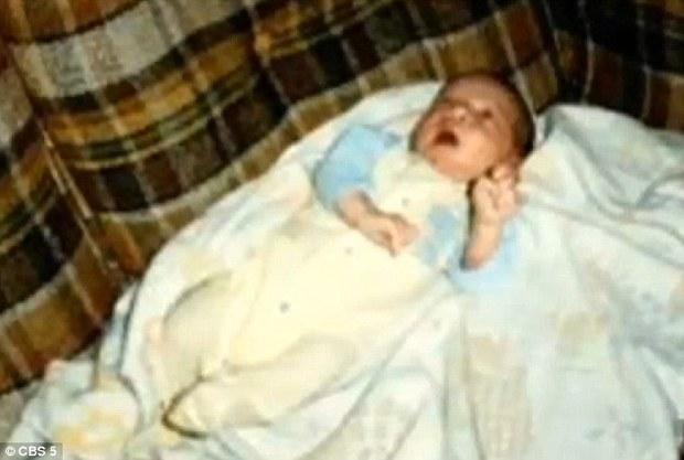 Kiên quyết nhận nuôi đứa trẻ bị người đời hắt hủi để rồi 20 năm sau, mẹ nhận cái kết đầy nước mắt - Ảnh 1.