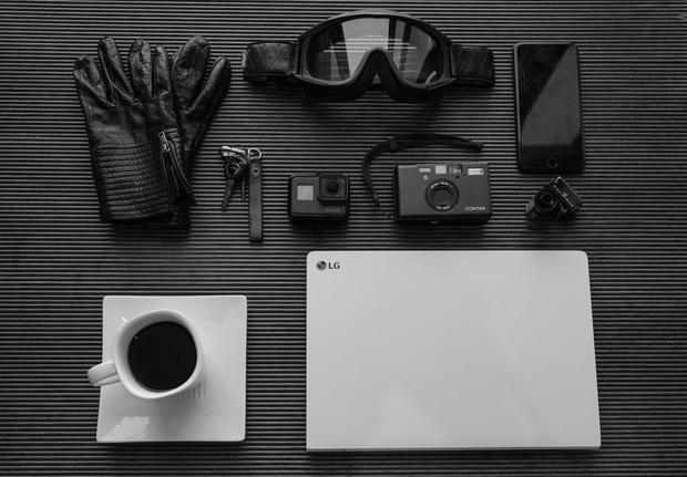 Chiêm ngưỡng những bức ảnh cực đẹp của giới trẻ với chiếc laptop mới ra mắt - Ảnh 1.