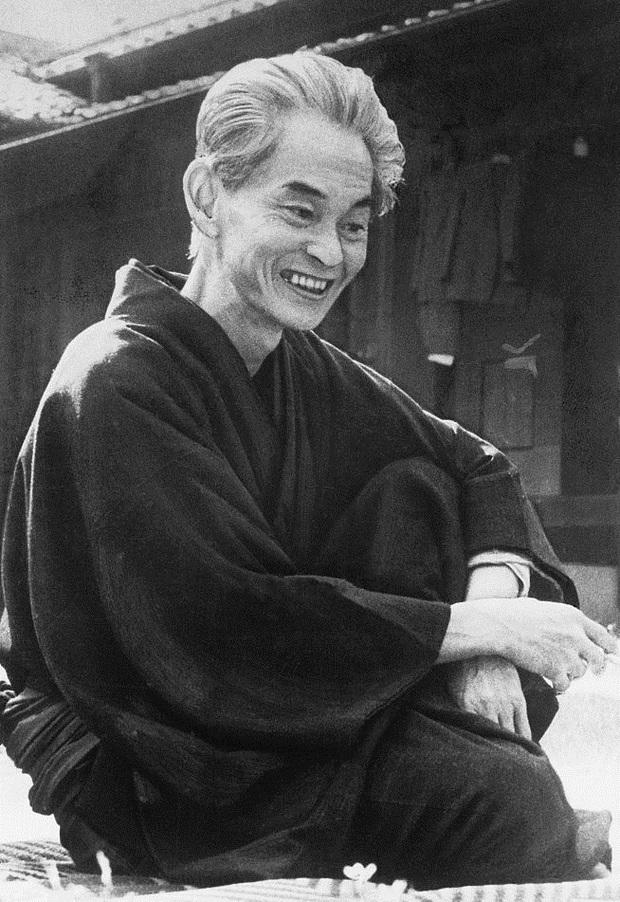 Đã có tới 3 nhà văn gốc Nhật Bản từng vinh dự nhận giải Nobel văn học, họ là ai? - Ảnh 2.