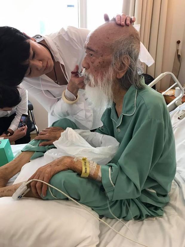 Khoảnh khắc bình dị của thầy Văn Như Cương qua những bức ảnh của cô giáo Văn Thùy Dương - Ảnh 12.