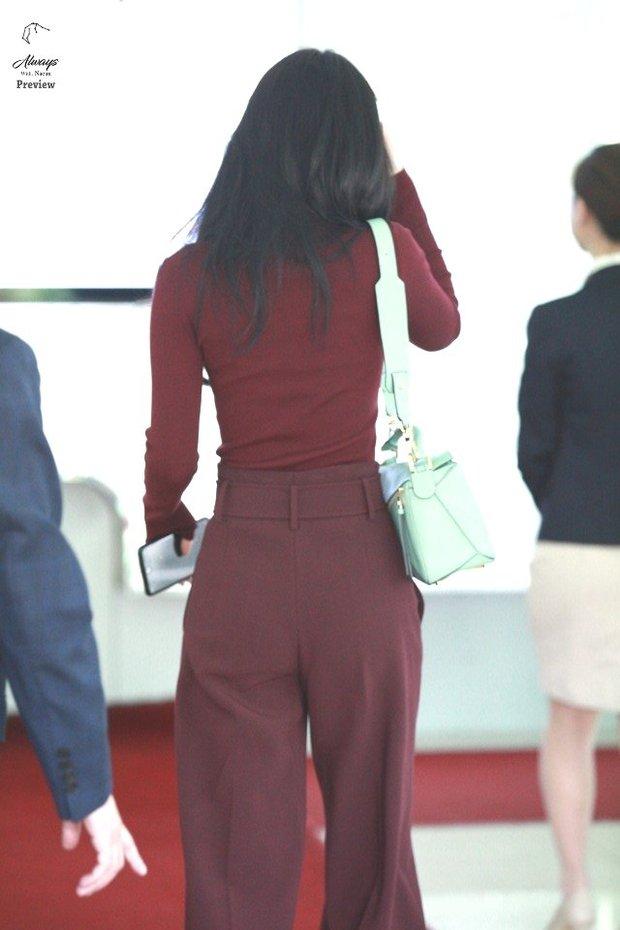 Dáng chuẩn eo thon, ngọc nữ Naeun (A Pink) lại doạ fan với gương mặt đơ cứng, sưng phồng khác thường - Ảnh 2.