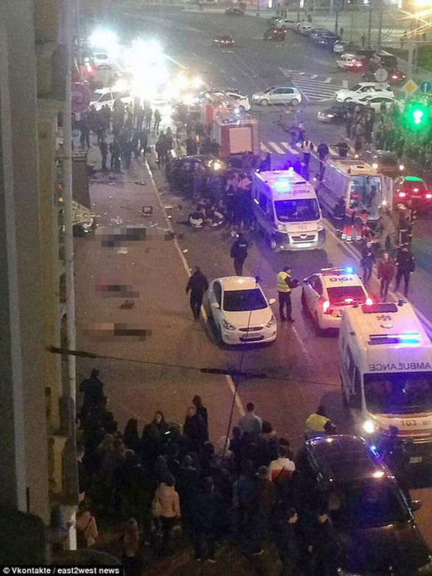 Vượt đèn đỏ, ái nữ triệu phú Ukraine tông chết 5 người - Ảnh 2.