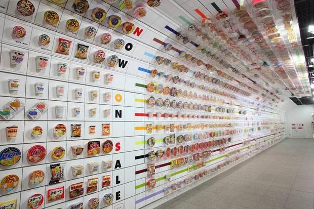 Thiên đường cho các tín đồ mì gói: Bảo tàng mì ăn liền Nhật Bản, nơi bạn có thể tự tạo ra công thức mì mới - Ảnh 2.