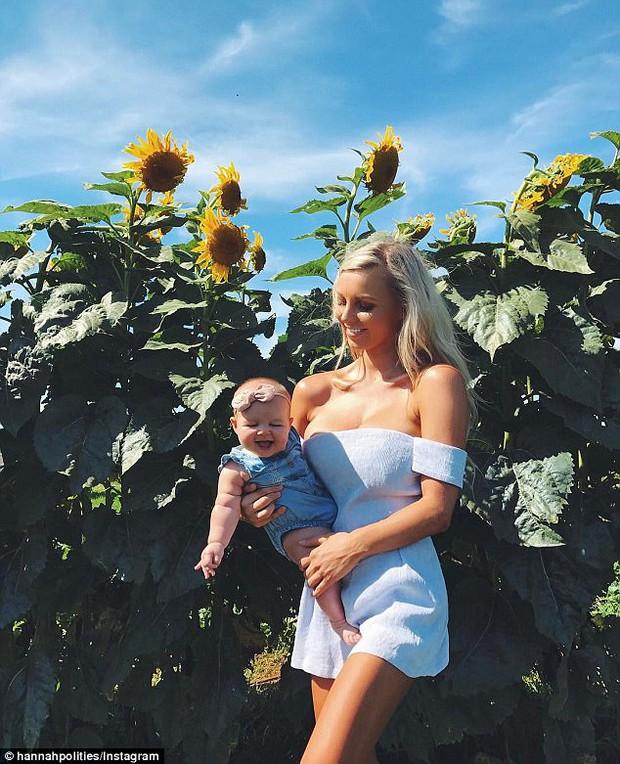 Mẹ 1 con hứng nhiều gạch đá vì... vóc dáng đẹp mê mẩn cả lúc mang bầu và sau sinh - Ảnh 1.