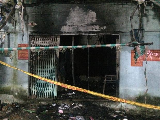 Cháy lớn ở Sài Gòn, bà và cháu gái 3 tuổi tử vong, ít nhất 4 người khác bị thương nặng - Ảnh 5.