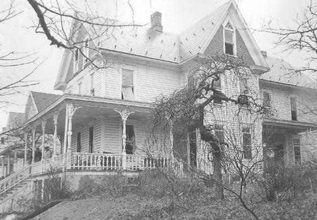Kỳ án tại nhà số 510: Cả nhà người chết thảm, kẻ mất tích bí ẩn và bó hoa lạ trên mộ người quá cố - Ảnh 1.