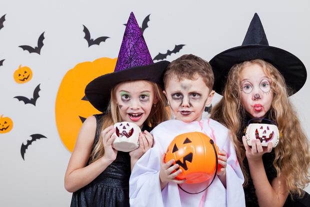 13 trò chơi Halloween kỳ cục, hài hước, ma mị dành cho cả gia đình trong ngày lễ hội ma quỷ 31/10 - Ảnh 1.