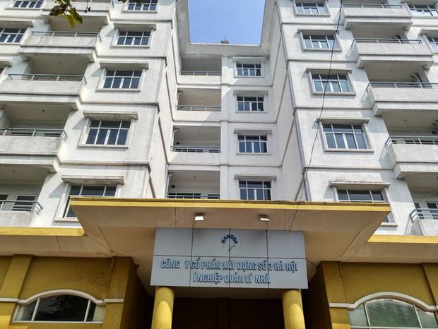 Hà Nội: Nhiều chung cư bỏ hoang cả chục năm khiến người dân nuối tiếc - Ảnh 2.