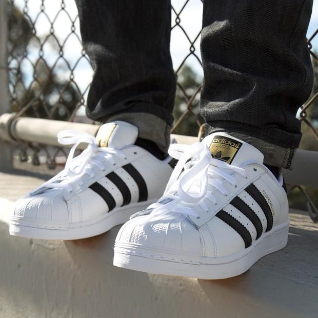 Top 6 mẫu sneakers tuyệt đẹp từ thời ông bà anh khiến tín đồ thời trang hoài cổ mê tít - Ảnh 16.