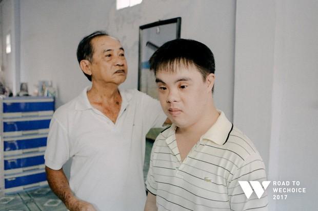 """Chặng đường """"lập kỳ tích, viết ước mơ'' của người cha 70 tuổi cùng con trai mắc hội chứng Down - Ảnh 2."""