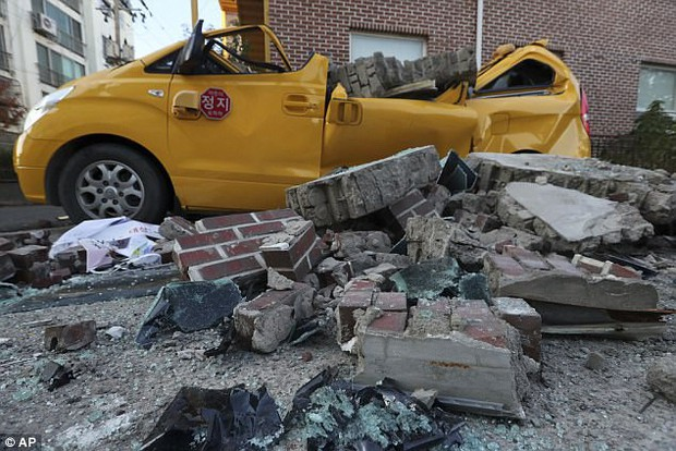 Khung cảnh đổ nát sau trận động đất mạnh 5,5 độ richter được đánh giá là mạnh thứ 2 trong lịch sử Hàn Quốc - Ảnh 5.