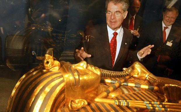 Ai Cập lần đầu mở cửa kho báu của Vua Tut cho khách tham quan - Ảnh 1.