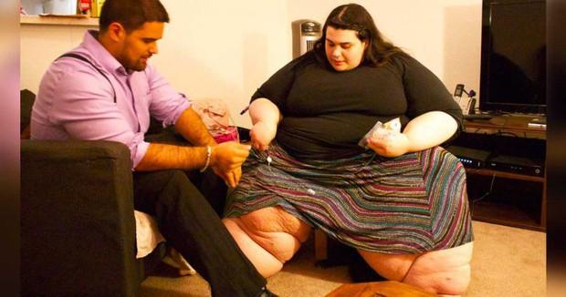 Mập đến mức không di chuyển được, cô nàng quyết giảm 120kg bất chấp bạn trai chỉ thích con gái béo tốt - Ảnh 1.