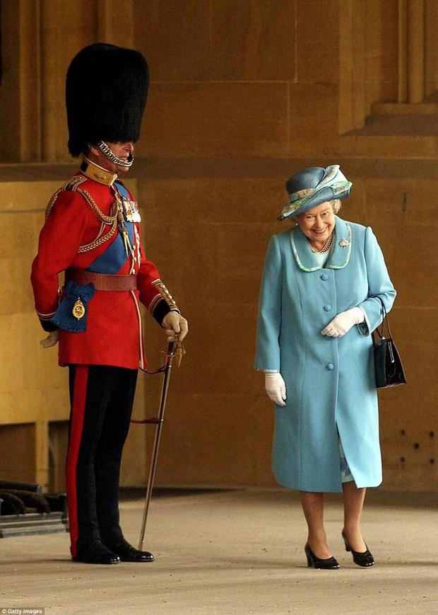 70 năm ngày cưới Nữ hoàng Elizabeth: Cuộc hôn nhân gần 1 thế kỉ và những bí quyết hạnh phúc giản dị - Ảnh 1.