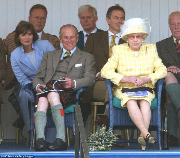 70 năm ngày cưới Nữ hoàng Elizabeth: Cuộc hôn nhân gần 1 thế kỉ và những bí quyết hạnh phúc giản dị - Ảnh 2.
