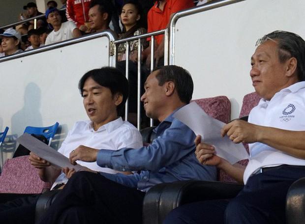 HLV Miura đến xem TP HCM đá Than Quảng Ninh, hợp đồng bỏ ngỏ? - Ảnh 2.