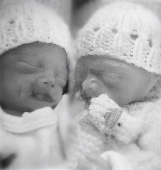 Trong 4 ngày, mẹ lần lượt vĩnh biệt 2 con song sinh nhưng chỉ 3 tháng sau, phép màu đã xuất hiện - Ảnh 1.