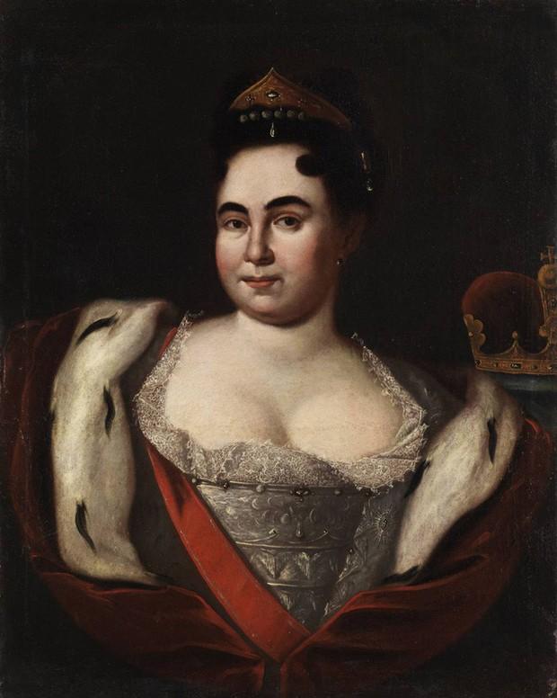 Nữ hoàng đầu tiên của nước Nga: Từ cô hầu gái không biết chữ đến người cùng vua chia sẻ ngai vàng - Ảnh 2.