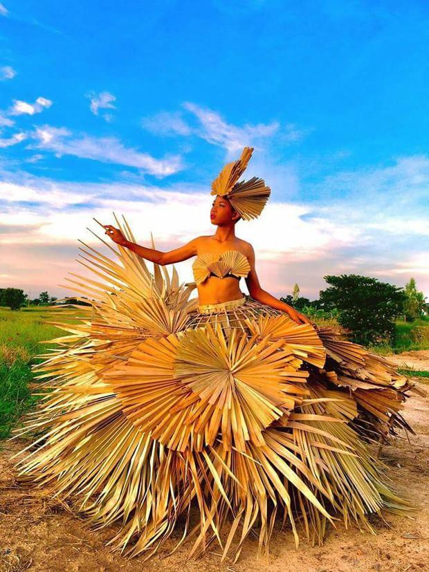 Thiên thần Victorias Secret phiên bản nông nghiệp Thái Lan khoe dáng nuột nà trong bộ ảnh mới - Ảnh 1.