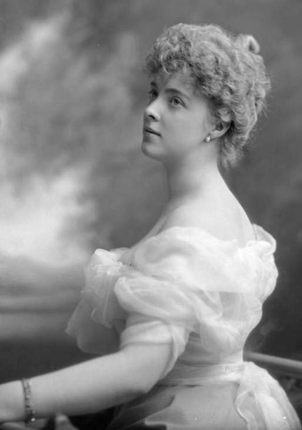 Cuộc đời chìm nổi của Công chúa đẹp nhất nước Anh Daisy: Bi kịch từ chuỗi ngọc trai đắt giá - Ảnh 1.