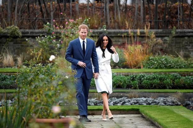 """Điểm lại những khoảnh khắc """"lịch sử"""" của mối tình cổ tích giữa hoàng tử Harry và hôn thê Meghan Markle - Ảnh 1."""