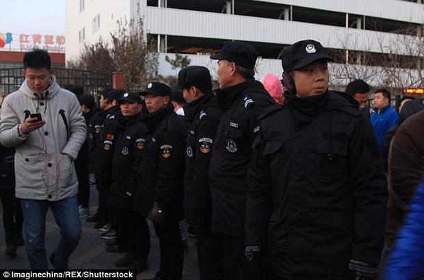 Trung Quốc: Rúng động vụ trẻ em mầm non bị ép uống thuốc lạ, ngược đãi và lạm dụng tình dục - Ảnh 1.