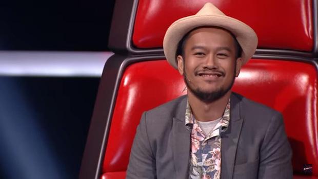 Nam ca sĩ gạo cội Thái Lan khiến đàn em bất ngờ khi chuyển giới đi thi The Voice - Ảnh 3.