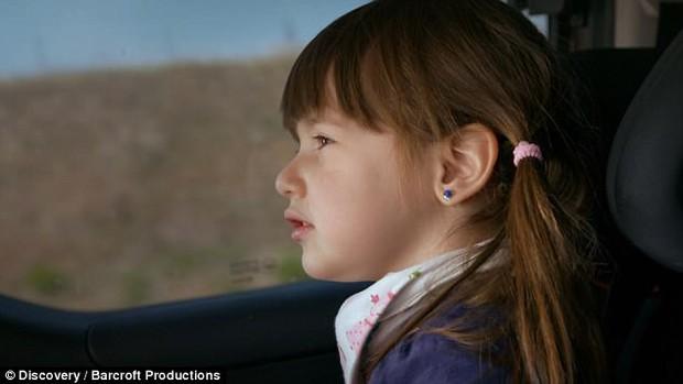 """Bởi """"lời nguyền"""" từ lúc mới sinh, bé gái 3 tuổi mỗi khi ngủ lại có thể tắt thở và ra đi vĩnh viễn - Ảnh 1."""