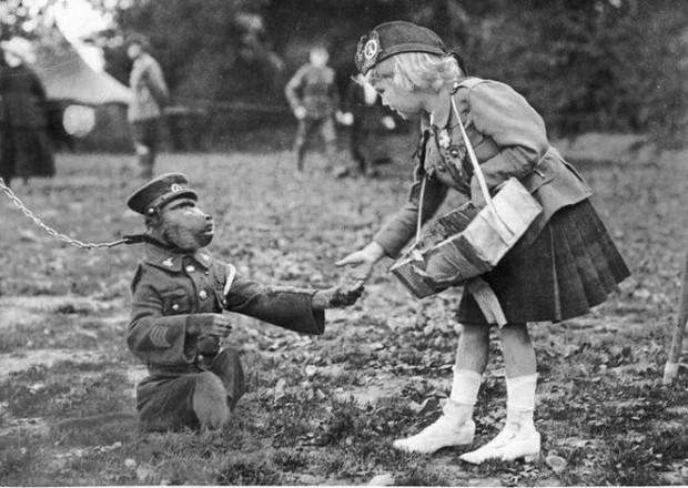 """Cuộc đời kỳ lạ của chú khỉ đầu chó Jackie: """"Người lính"""" dũng cảm được vinh danh sau chiến tranh thế giới thứ nhất - Ảnh 3."""