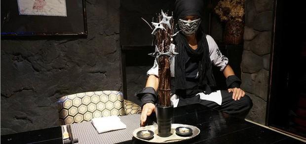 """Đây chắc chắn là những nhà hàng """"kỳ quặc"""" nhất thế giới mà chỉ ở Nhật Bản mới có - Ảnh 2."""