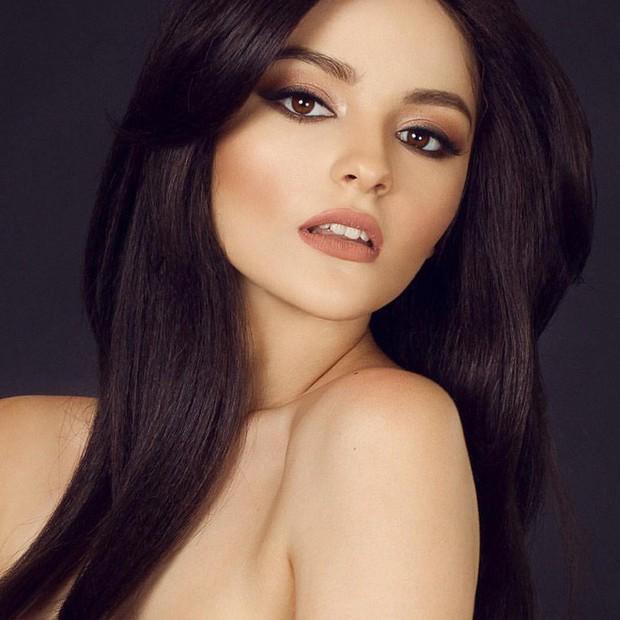 Cô gái 17 tuổi xinh như búp bê cắt trụi tóc để chụp ảnh, biết được sự thật ai cũng nể phục - Ảnh 1.