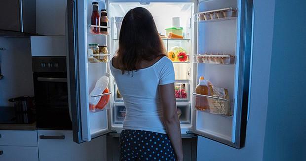 3 nhóm thực phẩm chính gây ra tình trạng da sần vỏ cam xấu xí kinh khủng - Ảnh 2.