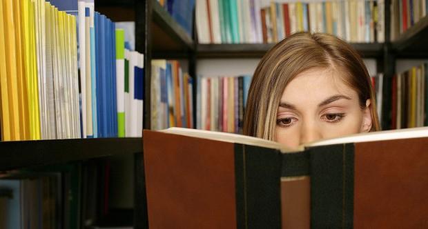 Mua sách về nhưng không đọc cũng chẳng sao cả, nhiều khi nó còn mang lại lợi ích cho người lười đọc - Ảnh 2.