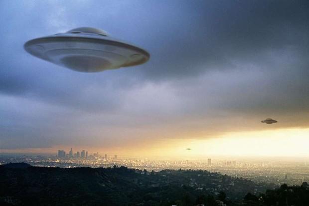Sử dụng khoa học, cựu nhân viên NASA giải mã hầu hết những lần người dân nhìn thấy UFO - Ảnh 2.
