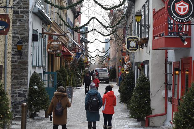 Khung cảnh đón Giáng sinh sớm ở nhiều nơi trên khắp thế giới: Lộng lẫy, nguy nga và ấm áp - Ảnh 11.