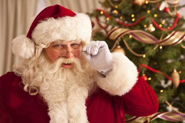 5 bí mật về ngày Giáng sinh: Nguyên mẫu của ông già Noel và câu chuyện đàn tuần lộc bị thiến - Ảnh 1.