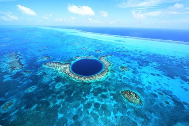 9 hố sâu bí ẩn và kỳ quái nhất trên Trái Đất, hố đầu tiên sâu không thấy đáy khiến nhiều người rùng mình - Ảnh 5.