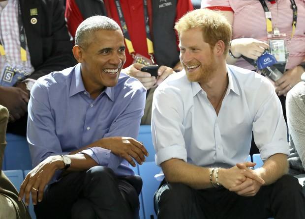 Những khoảnh khắc tình bạn của người nổi tiếng hot nhất năm 2017: Từ cựu Tổng thống Obama cho tới bộ ba Titanic - Ảnh 7.
