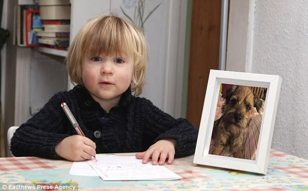 Chẳng xin bánh kẹo đồ chơi, điều ước đêm Giáng sinh của cậu bé 3 tuổi này khiến ai cũng cảm động - Ảnh 2.