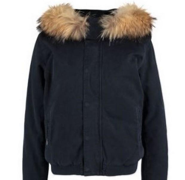 Đằng sau những món quà áo lông đắt tiền dịp Giáng sinh là số phận đau thương của hàng triệu con cáo, chồn - Ảnh 1.