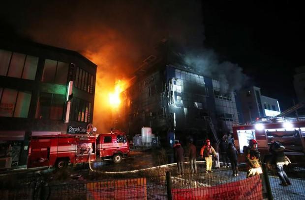 Nhà xe cháy rụi, khung cảnh tàn hoang từ vụ cháy lớn nhất lịch sử Hàn Quốc làm 29 người thiệt mạng - Ảnh 3.