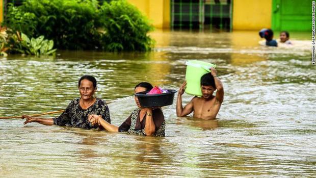 Bão Tembin sắp đổ bộ Việt Nam: Tàn phá khủng khiếp khi vào Philippines - Ảnh 2.