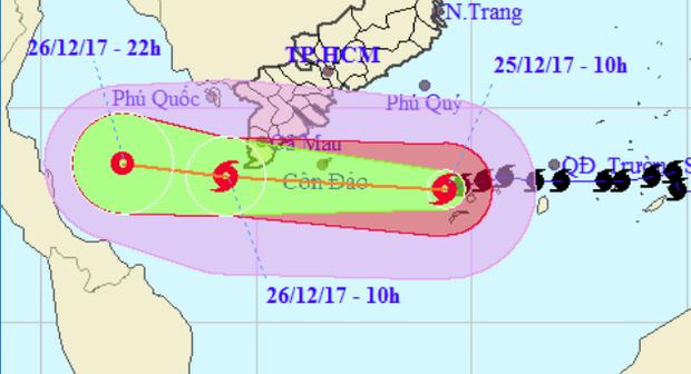 Người dân cả nước thở phào: Siêu bão Tembin giảm cấp và tâm bão không vào đất liền Việt Nam - Ảnh 2.