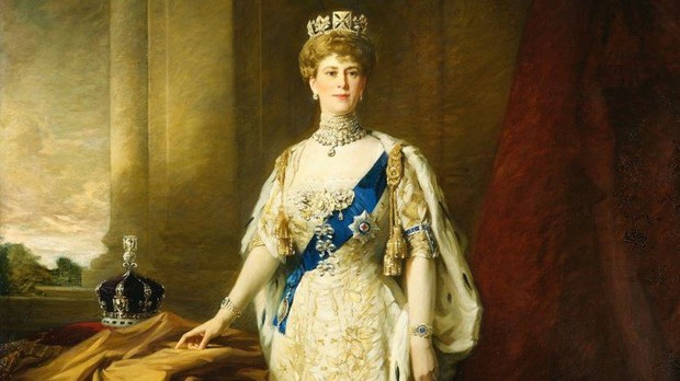 9 nữ hoàng kỳ quặc trong lịch sử: Từ hậu cung toàn mỹ nam cho tới hoàng hậu lẳng lơ bậc nhất thế giới - Ảnh 1.