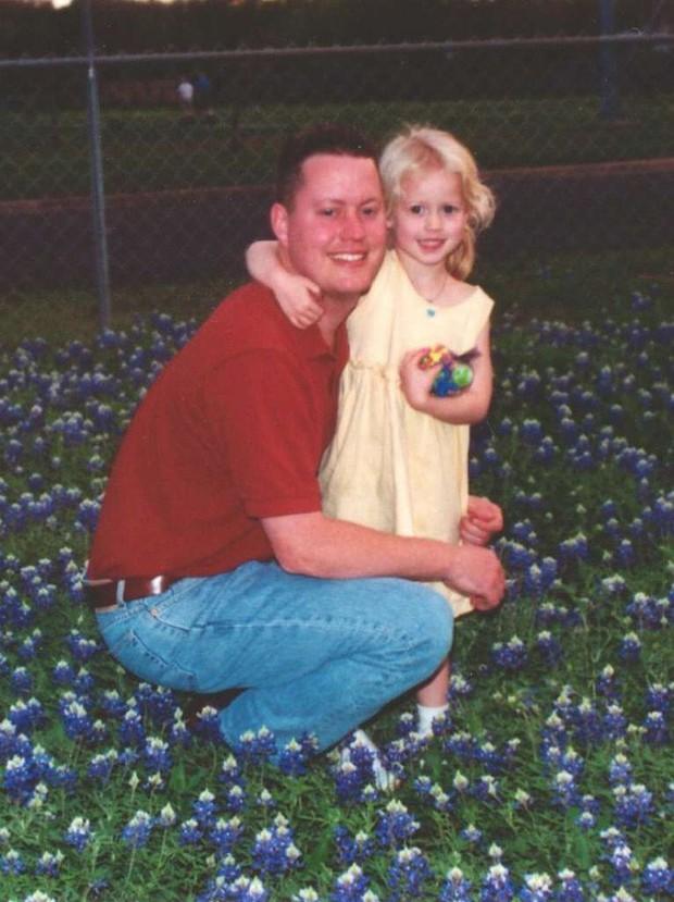 Vợ cũ bắt cóc con gái rồi biến mất không dấu vết, 12 năm sau người bố rụng rời khi nhận cuộc điện thoại từ cảnh sát - Ảnh 2.