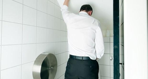 9 dấu hiệu của bệnh tiểu đường ở nam giới không nên bỏ qua - Ảnh 2.