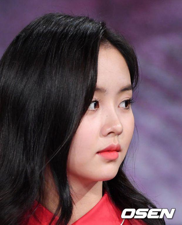 Yoo Seung Ho và L đứng cạnh nhau thôi cũng khiến fan đau đầu, Kim So Hyun mặt tròn vẫn xinh - Ảnh 11.